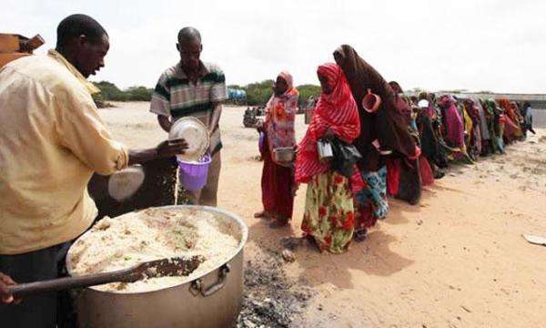El problema del hambre en África no tiene la de nunca acabar.