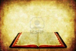 6440735-biblia-abierta-sobre-fondo-de-piedra-arenisca-de-grunge