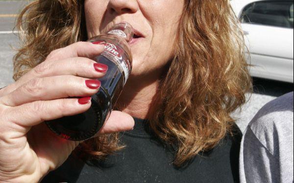Quienes consumen gaseosas de forma excesiva podrían presentar niveles extremadamente bajos de potasio, concluyeron médicos del hospital Princesa Grace de Mónaco.(Jessica W/ Flickr)