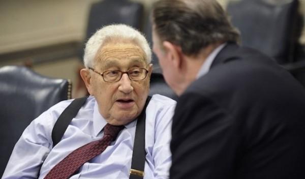 Henry Kissinger, ex secretario de Estado norteamericano se encuentra entre los miembros selectos (Foto: Secretary of Defense, Creative Commons). - See more at: http://www.vertigopolitico.com/articulo/16068/Club-Bilderberg-la-mam-de-los-pollitos#sthash.irYwTO13.dpuf