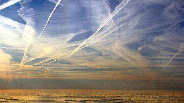 Cielo-nublado-chemtrails-Chi-sa_EDIIMA20131204_0640_13