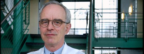 Pim van Lommel, cardiólogo; investiga experiencias después de la muerte (EDM)
